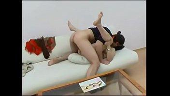 Сара бэнкс занялась сексом втроём с молодым человеком и йога инструктором