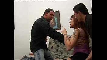 Юноша занялся трахом с лилипутом-девушкой